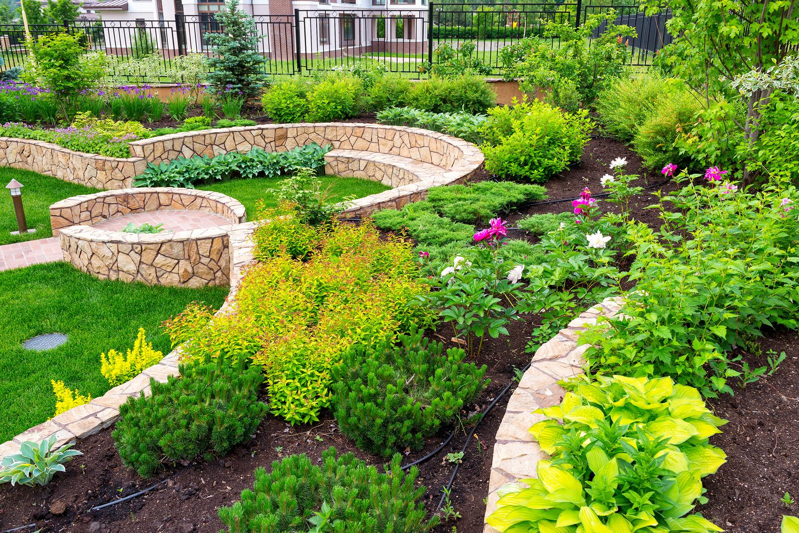 Landscape Design, Lawn Maintenance, Hydroseeding: Rockford ... on Backyard Landscape Designers Near Me id=90450